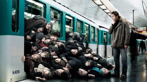 metro_at_rush_hour_funny_hd-1366x768